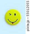 CG 3D イラスト 立体 デザイン バックグラウンド スマイル 笑顔 ピース マーク アイコン 55012055