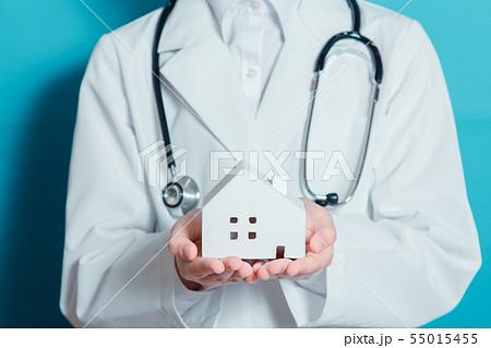 白衣 ハウス 女性 55015455