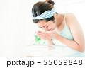 洗顔 クレンジング ビューティー 女性 スキンケア ビューティ 若い女性 美容 55059848