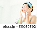 洗顔 クレンジング ビューティー 女性 スキンケア ビューティ 若い女性 美容 55060592
