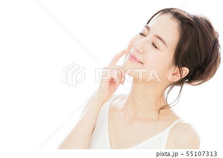 ビューティー 女性 スキンケア ビューティ 若い女性 美容 55107313