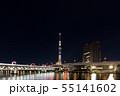 バレンタインシーズンの東京スカイツリーと隅田川橋梁のライトアップ 55141602
