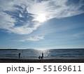 海辺の親子 55169611