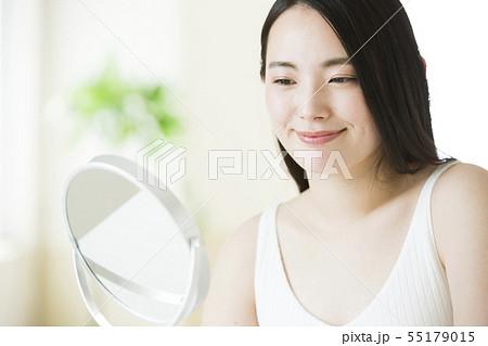 ビューティー ビューティーイメージ 女性 若い女性  55179015