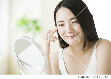 ビューティー ビューティーイメージ 女性 若い女性  55179018