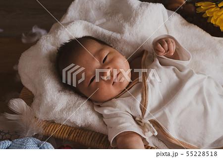ニューボーン 赤ちゃん 55228518