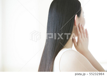 ヘアケア ビューティー ビューティーイメージ 女性 若い女性   55232964