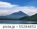 本栖湖からの富士山 55264652