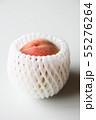 桃にフルーツキャップ 55276264