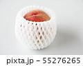 桃にフルーツキャップ 55276265