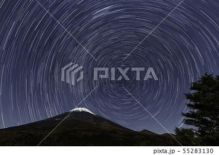 静岡県裾野市水ヶ塚公園から星と富士山 55283130
