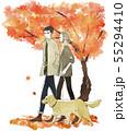 犬の散歩をする夫婦・カップル-秋・紅葉 55294410