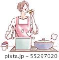 料理をする男性 55297020