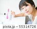 メイク道具と若い女の子 55314726
