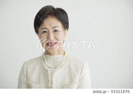 シニア女性 55321870