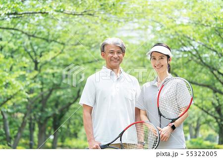 テニス ミドル夫婦 カップル セカンドライフ イメージ 55322005