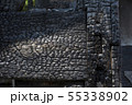 火事で焼けた柱と梁のアップ 55338902