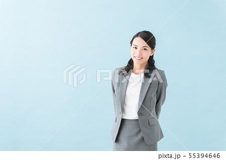 20代女性 グレースーツ 55394646