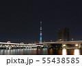 東京スカイツリーを7色で彩った特別ライティングと東武スカイツリーラインと首都高速6号向島線の光跡 55438585