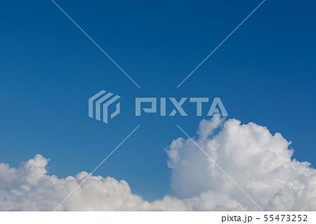 夏雲と青空 55473252