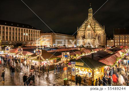 ドイツ ニュルンベルク クリスマスマーケット  55489244
