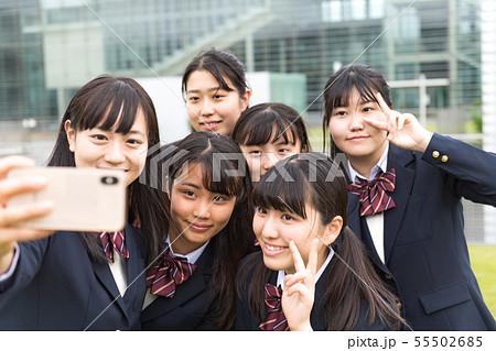 女子高生、自撮り 55502685