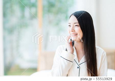 若い女性 55513929