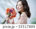 女性 保湿 花束の写真 55517889