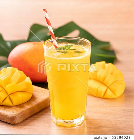 マンゴー マンゴ ジュース 55594023
