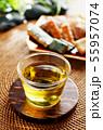 冷たい緑茶とあられ 55957074