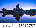 松本城 朝 【長野県】 56012757