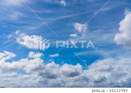 台風接近 空模様 夏 56112493