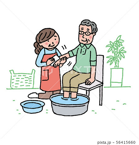 介護 イラスト 高齢者の身体を拭く家族  56415660