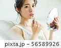 女性 メイク 化粧 リップ 口紅 56589926
