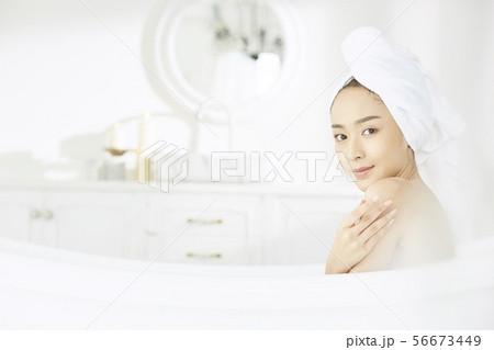 女性 ビューティー 56673449