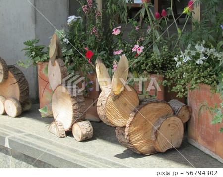 木材の子ウサギのオブジェ 56794302
