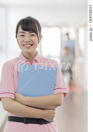 介護士 56858637