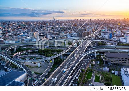 《大阪府》交通イメージ・東大阪ジャンクション《夕景》 56883368
