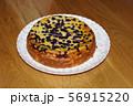 ブルーベリーたっぷりのベイクドチーズケーキ 56915220