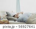 女性 若い 起きるの写真 56927641