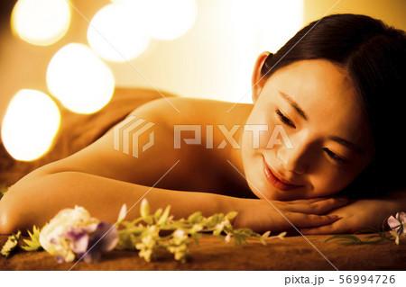 エステ 女性 ビューティー 美容 エステサロン 56994726