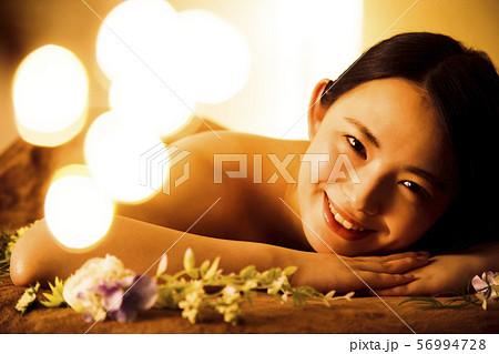 エステ 女性 ビューティー 美容 エステサロン 56994728