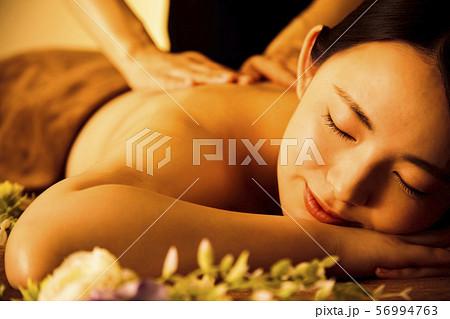 エステ 女性 ビューティー 美容 エステサロン 56994763