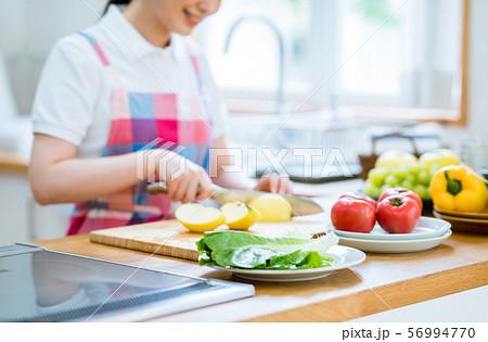 キッチン 56994770