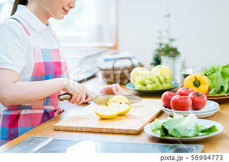 キッチン 56994773