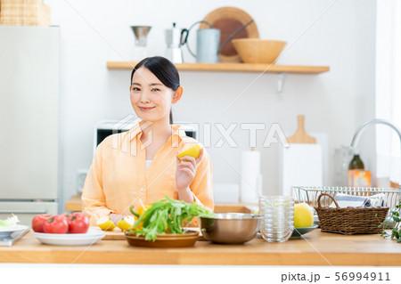 キッチン 56994911
