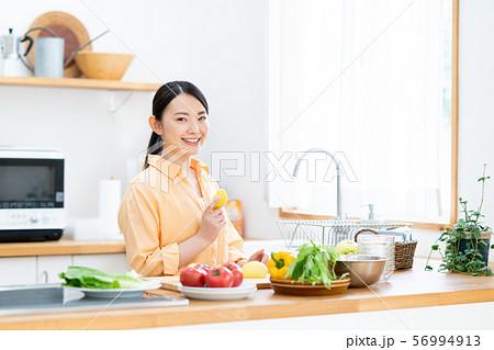 キッチン 56994913