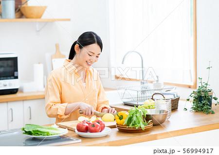 キッチン 56994917