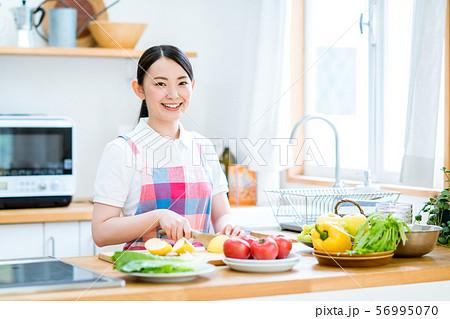 キッチン 56995070