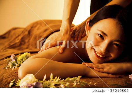 エステ 女性 ビューティー 美容 エステサロン 57016302